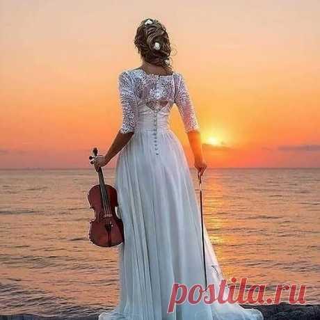 Берегите Мелодию своей Души...  И никогда не дарите её тому,у кого попросту отсутствует музыкальный Слух...,, -----------------------------------------