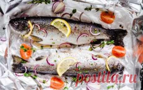 Как правильно готовить рыбу в фольге. Правильное приготовление рыбы в фольге. Как готовить запеченную рыбу в фольге. Секреты готовки запеченной рыбы в духовке.