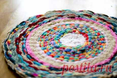 Плетём коврик с помощью обруча