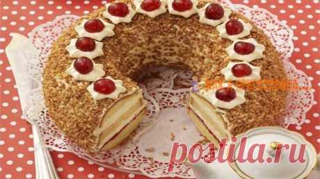 Торт «Франкфуртский Кранц» Если у Вас намечается большое торжество, рекомендую этот волшебный десерт. Приготовить его просто, а красив!!!… — сами увидите