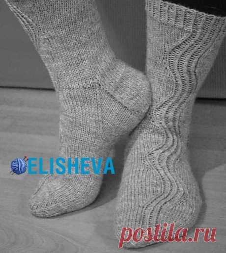 Изумительно красивые женские носки by Tiina Partanen вязаные спицами