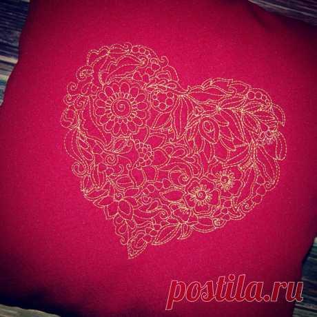 Стеганная подушка #думочка  со стёганным #сердцем. Размер 36*36 см