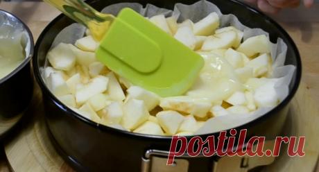 Гениальная шарлотка с невероятно вкусным заварным кремом: нежнее пирога ты не пробовала