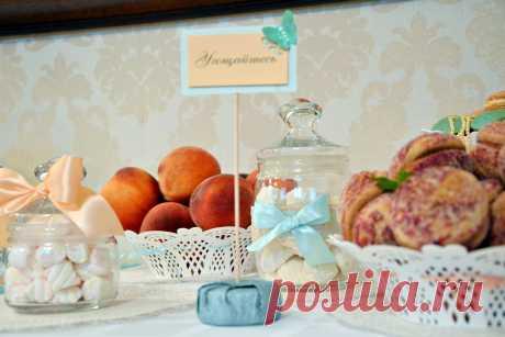 сладкий персиковый стол