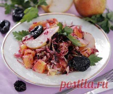 Салат «Вдохновение» с черносливом и грушами — Фактор Вкуса