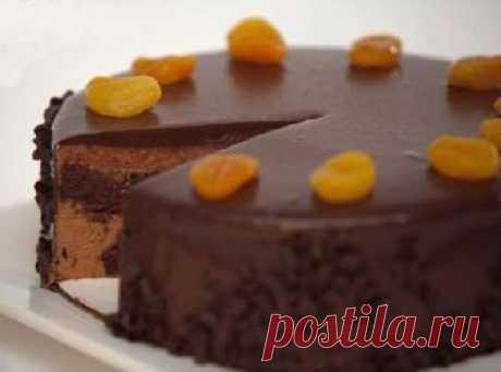 Шоколадный торт с орехами    .