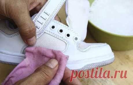 Сода и уксус сделают белую обувь привлекательной снова