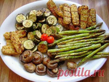 Grilled vegetables of improbable taste! Main cunnings;) \u000aWith arrival of May holidays the season of picnics in the fresh air is considered officially open. All who at least once tasted the vegetables baked on a brazier forever become their admirers. It …
