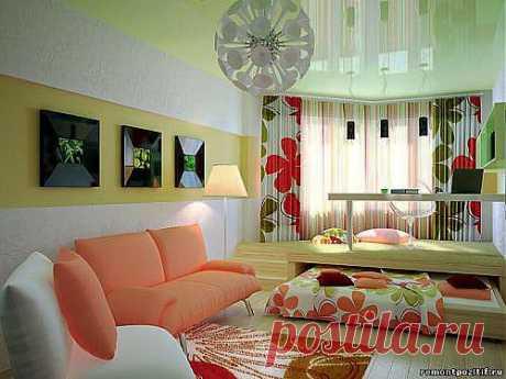 Совмещенная гостиная и спальня – новые решения и идеи  Приобретая квартиру в советском доме «хрущевка», в абсолютном большинстве случаев меньшей комнате отводится функция детской, большая же комната становится гостиной и спальней. Обычное решение для такой квартиры – раскладной диван, шкаф, телевизор. Стандартно, скучно и не всегда удачно.
