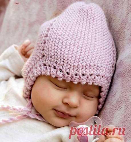 Милая шапочка спицами, вяжем детям