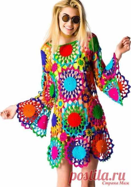 . Туника-платье из разноцветных мотивов Outstanding crochet. Свяжем вместе? Онлайн открыт, добро пожаловать! https://www.stranamam.ru/  Платье из Бонприкс 4150 руб. .. очень похоже только добавлена обвязка мотивов