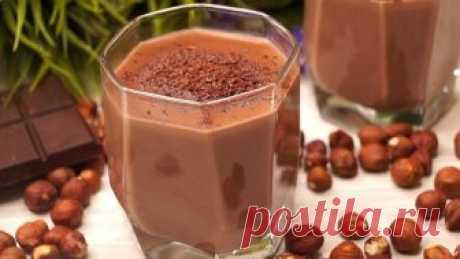 Волшебная Вкуснятина из ничего всего за 5 минут!  Горячий шоколад. Супер-шоколадный, притягивает своим ароматом, дает заряд энергии и поднимает силы. Рекомендую попробовать, делается быстро и получается волшебно вкусно. ИНГРЕДИЕНТЫ  Молоко – 600мл. …