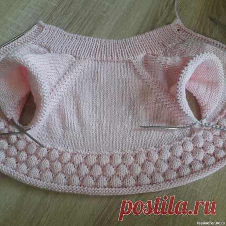 Комплект для девочки из полухлопка   Вязание спицами для детей