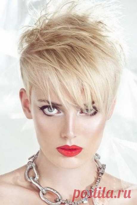 «Красивые силуэтные решения не только эффектно преподносят внешность, но и тонко подчеркивают индивидуальность.» — карточка пользователя mirca2442 в Яндекс.Коллекциях