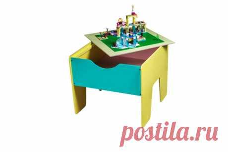 LEGO стол+ полотно цветной  Этот стол позволит содержать в порядке весь конструктор, состоящий из десятков или даже сотен мелких элементов. На столешницу выкладывается специальное полотно с ячейками для LEGO, а лишние детали можно быстро убрать в большой ящик.