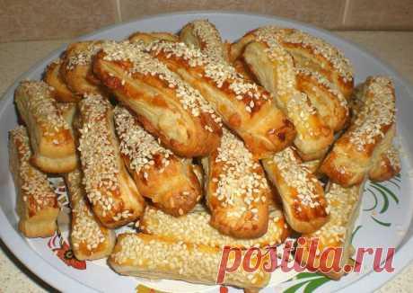 Сырные палочки из слоёного теста Автор рецепта Ольга Барсова - Cookpad