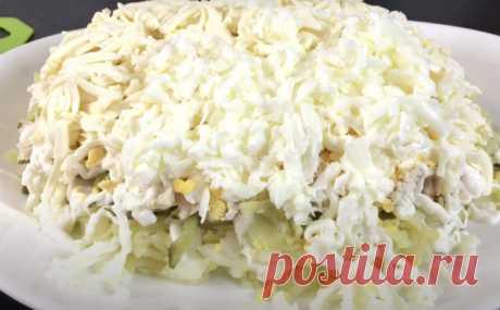 Слоеный салат «Зимний сон»: главный конкурент Оливье на праздничном столе