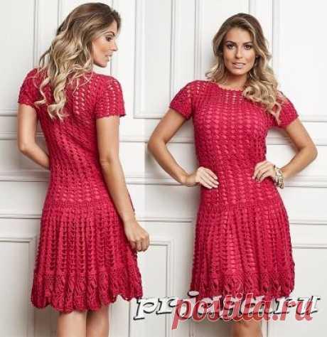 Ажурное платье «Спелая ягодка» крючком