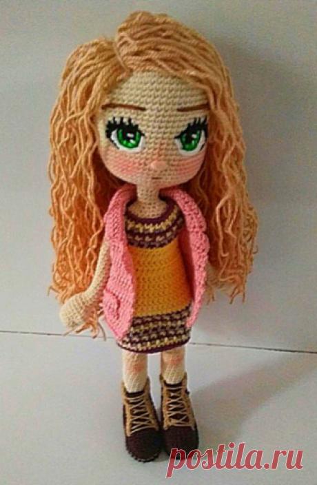 Куколка в розовом жилете