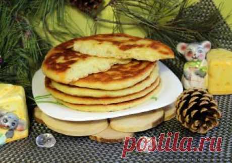 Сырные лепёшки на кефире на сковороде (с кукурузной мукой)