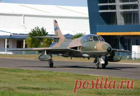Фото Hawker Hunter (VH-RHO) - FlightAware