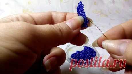 Лепесток мозаичным плетением