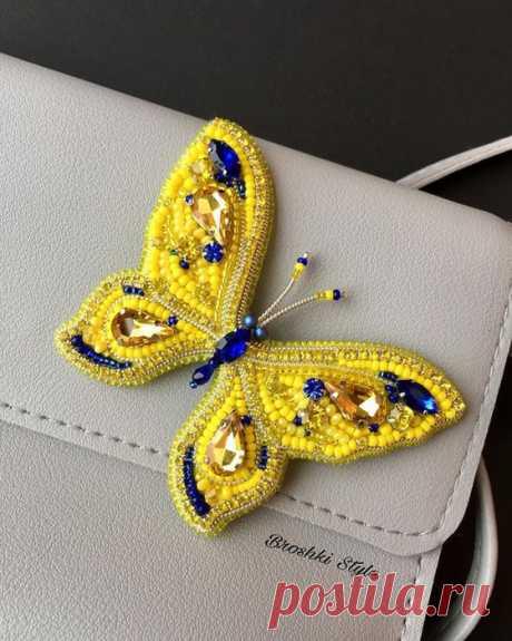 Броши, украшения - бабочки