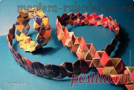 Una clase magistral de tejer periódico: Cómo tejer un anillo de revistas