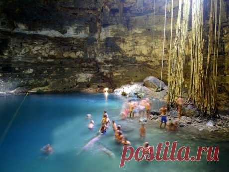UNDERGROUND KARST LAKES OF YUCATAN, MEXICO.\u000d\u000a\u000d\u000aThe Mexican peninsula Yucatan represents the huge calcareous sponge penetrated by karst caves and the underground rivers and – over earth level on Yucatan of the rivers is not present, and the existing lakes – are boggy and occupied by the jungle. In the territory several thousands of karst lakes, both opened, and closed are revealed, at the same time less than a half are well studied and only the few are open for visit.