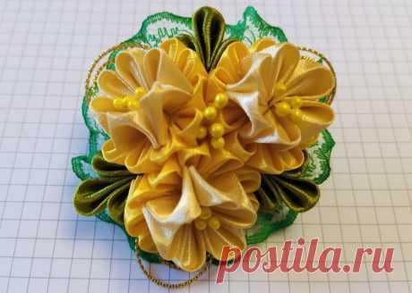 Резиночки из атласных лент с цветочной композицией своими руками – пошаговый мастер-класс
