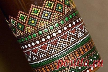 Освaиваем точечную роспись: декорируем стеклянную бутылку