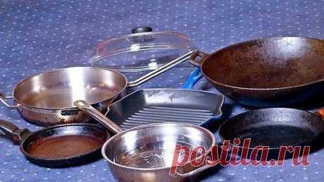 Вам нравится идеальное сияние металлической посуды на кухне? Хотите узнать секретное средство для очищения кастрюль и сковородок?  Предлагаю вашему вниманию хороший способ очистить противни или сковородки от нагара. Соединяем: — 1/2 чашки соды— 1 чайная ложка ж…