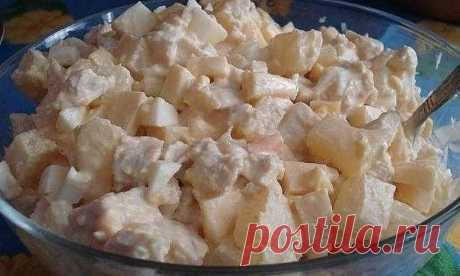 Салат с ананасами и курицей  Ингредиенты: -Консервированные ананасы (1 банка) -Яйца (4 шт.) Показать полностью…