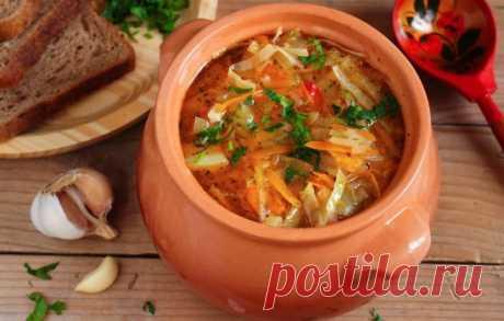 Las recetas de los shchi magros de la col en salmuera: los secretos de la elección de los ingredientes