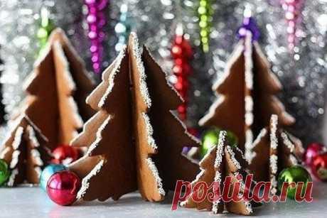 """Как легко сделать новогодние """"пряничные елочки"""" - Упражнения и похудение Пряничные елочки это тот сладкий момент, когда кулинария пропитана рукоделием. Формочки можно сделать из жестяных бутылок для напитков."""