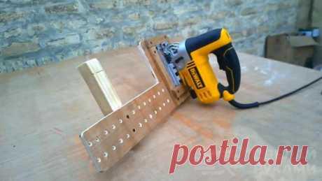 Простая направляющая для электролобзика для ровного реза Чтобы ровно распилить заготовку из дерева с помощью электролобзика, можно использовать простую направляющую, которую несложно изготовить своими