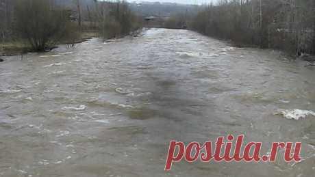 MVI_1704 Наша бурная река Кизел .