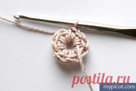 Пошаговое вязание красивого трехугольного мотива крючком-МК