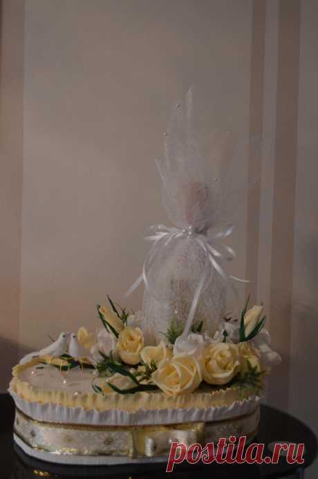 """подарок к свадьбе из конфет """"рафаелло"""""""
