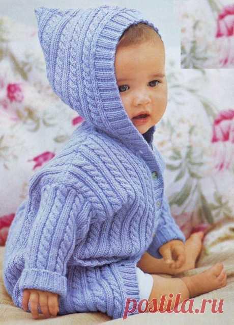 Кофточка с капюшоном для малыша вязаная спицами. Детская кофта вязаная спицами объемным узором | Вязание для всей семьи