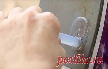 Превратите обычный горячий клей в невероятную поделку