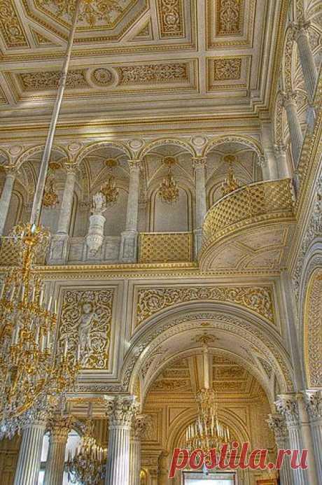 Interior of the Hermitage, St Petersburg, Russia \u000d\u000aDe Drumsara   Pinterest • el catálogo Mundial de las ideas
