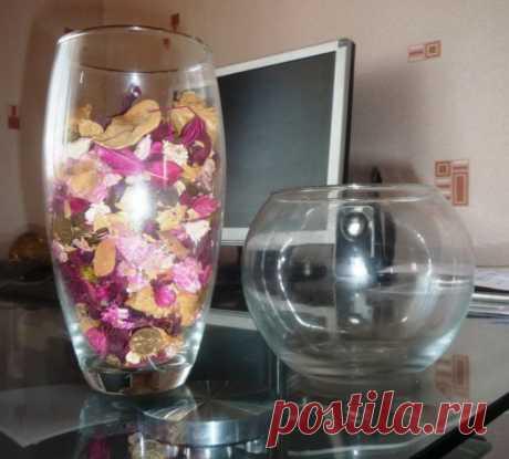 Прозрачные стеклянные вазы в интерьере: чем их наполнить, секреты декораторов