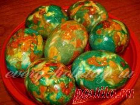 Como pintar los huevos a la Pascua zelenkoy y el yodo