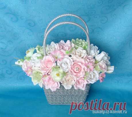 Декоративная корзинка для цветов; Букеты из конфет