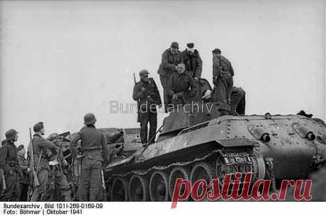 Октябрь 1941 г. Захват в плен советского танкиста / Назад в СССР / Back in USSR