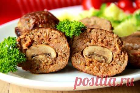 Котлеты, фаршированные целыми грибами — Кулинарный Рай Оригинальный рецепт из мясного фарша и шампиньонов.