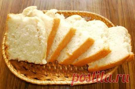 Домашний белый хлеб в духовке на сыворотке рецепт с фото Домашний белый хлеб на молочной сыворотке получается невероятно мягким. Хрустящая корочка и воздушная мякоть - это именно то, что нужно для невероятно вкусных бутербродов. Детишки оценят такой хлеб, да и взрослые не останутся равнодушными. Идеально для завтрака и чаепития с вареньем или джемом. Посмотрим, как приготовить домашний хлеб в духовке на сыворотке...