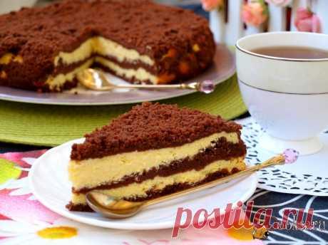 Творожный пирог с шоколадной крошкой.