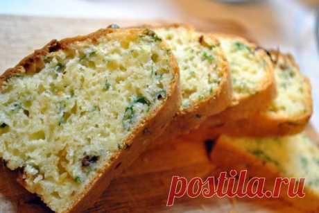 Натерла, размешала, залила…все. Ароматный и вкусный сырный кекс готов — Вкусно!